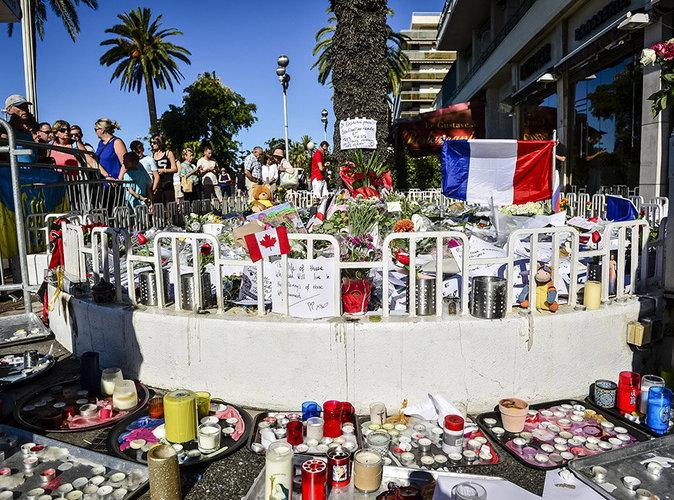 Attentat de Nice : Tout ce qu'il faut savoir : Nicolas Sarkozy critique le manque d'action du gouvernement