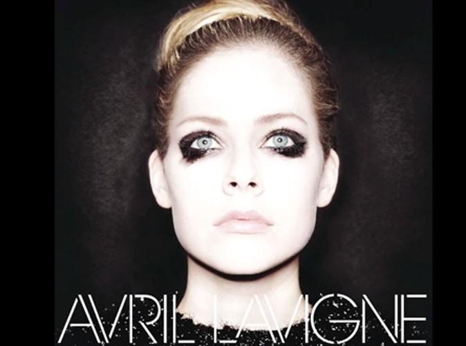"""Avril Lavigne : découvrez """"Let Me Go"""", son nouveau single en featuring avec son mari Chad Kroeger !"""