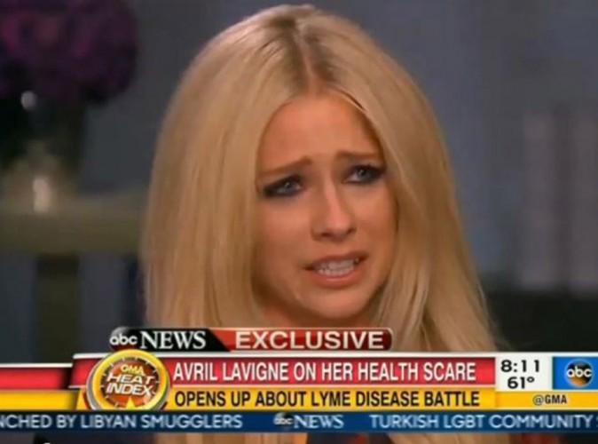 Avril Lavigne fond en larmes en évoquant son combat...