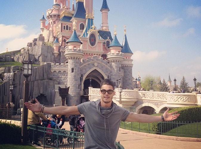 Baptiste Giabiconi : il a préféré voter par procuration et passer la journée à Disney !