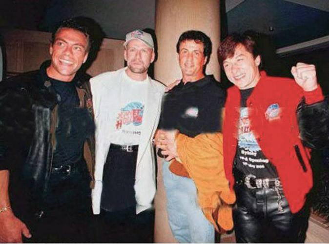 Jean-Claude Van Damme et ses amis les grands gabarits !