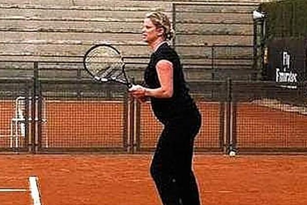 Kim Clijsters : enceinte et sur les courts !