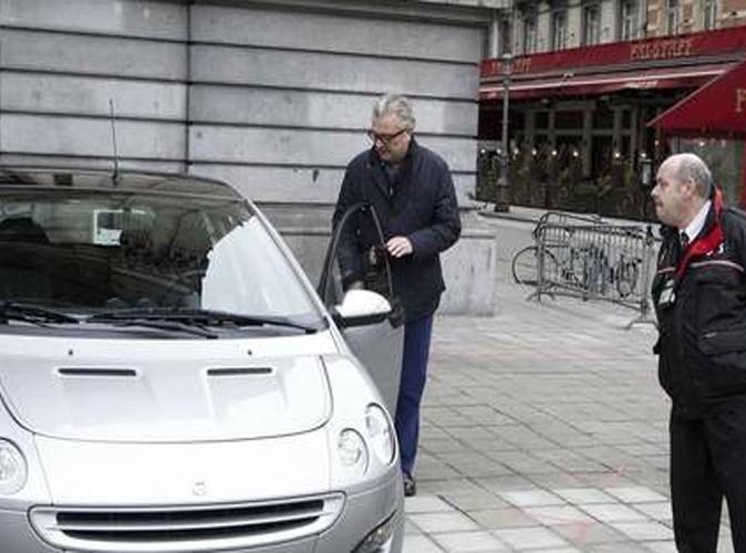 Le Prince Laurent : il se gare n'importe où !
