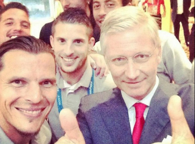 Le Roi Philippe : il se met au selfie !