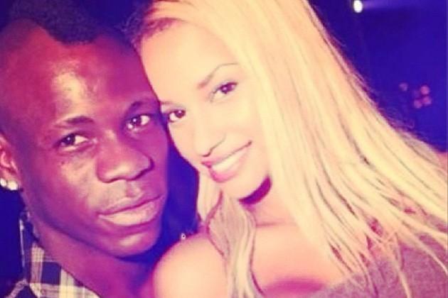 Mario Balotelli offre sa copine Fanny en pari !