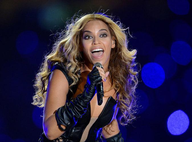 Beyoncé aux côtés de Coldplay sur la scène du 50ème Super Bowl !