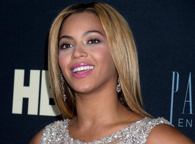 """Beyoncé : """"Ces rumeurs de mère porteuse étaient juste folles…"""""""