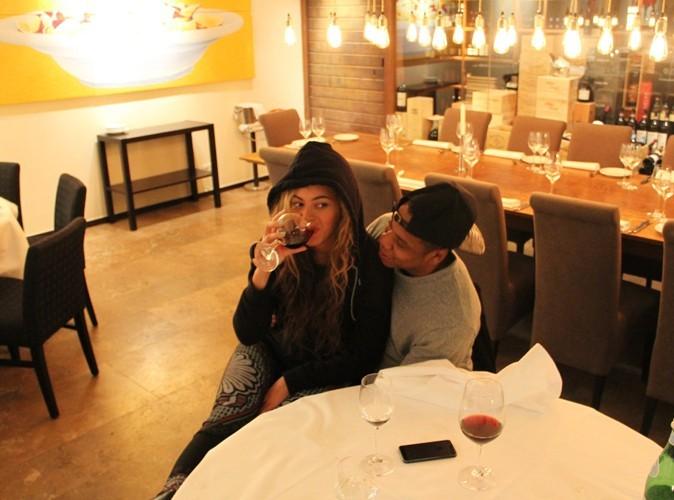 Beyonce : elle met fin aux rumeurs de grossesse en s'affichant avec un verre de vin !