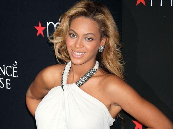 Beyoncé : l'ex maîtresse de son père remet la grossesse de la chanteuse en doute !