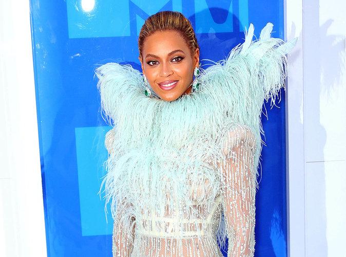 Beyoncé : Les rumeurs et les indices s'accumulent autour de son accouchement !