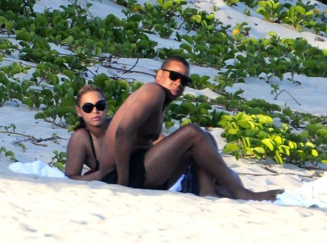 Beyonce : reine du jet-ski sous le soleil des Caraïbes... Elle envoie du lourd pour son Jay-Z !