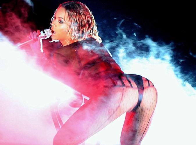 Beyoncé : sa prestation sexy aux Grammy Awards vivement critiquée !