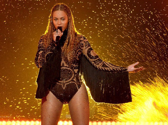 """Beyoncé : son auteur dévoile l'identité de """"Becky with the good hair"""""""