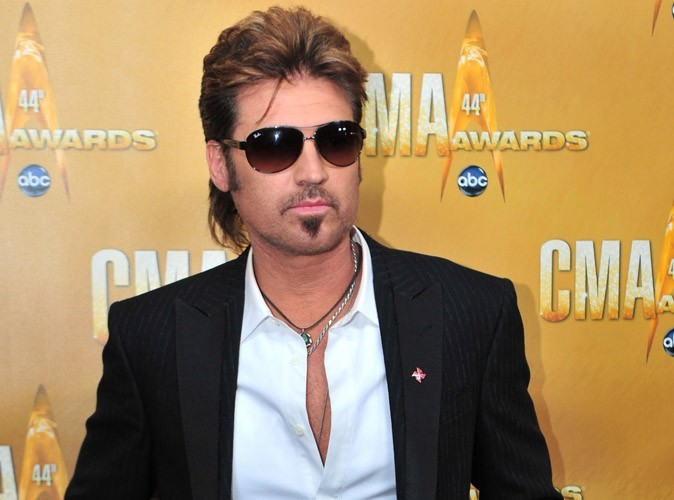 Billy Ray Cyrus : le père de Miley Cyrus rejoint le casting de 90210 !