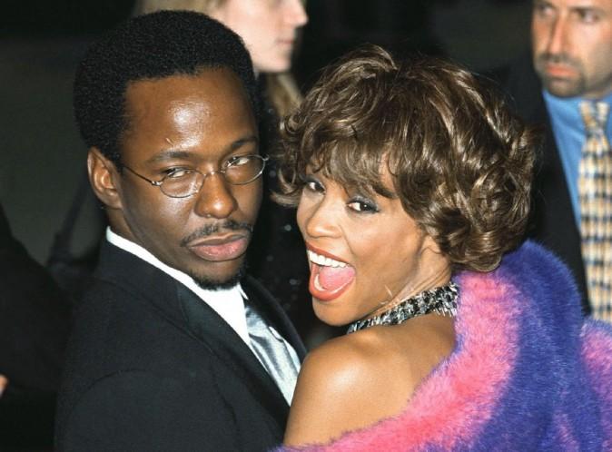 Bobby Brown : meurtri par le décès de son ex-femme, Whitney Houston, il s'effondre en plein concert...