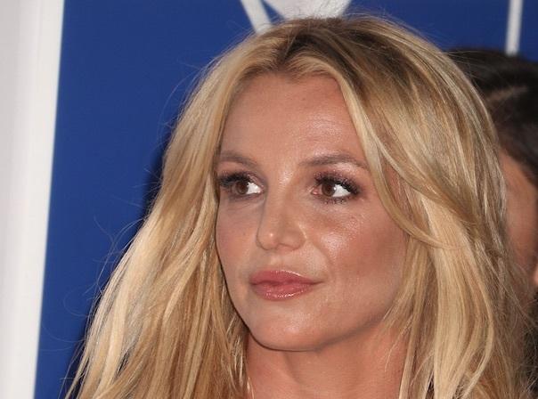 Britney Spears : Concert interrompu, bagarre sur scène, la chanteuse évacuée !
