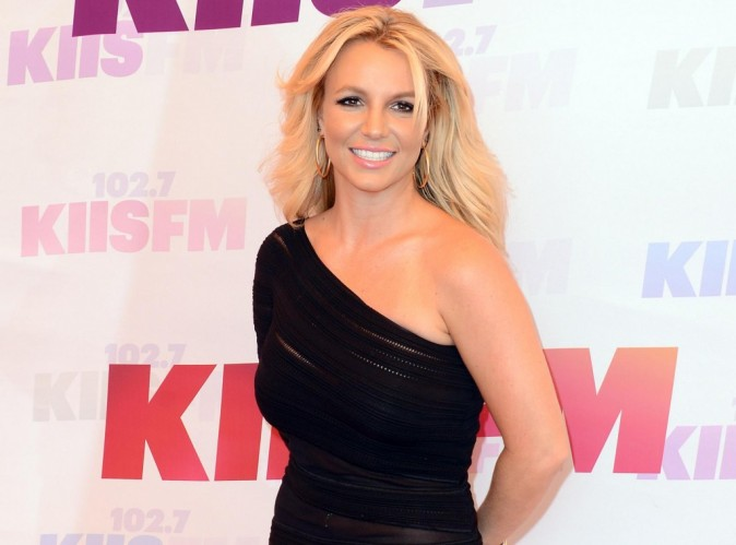 """Britney Spears : découvrez son nouveau single """"Ooh La La"""" B.O du film Les Schtroumpfs 2 !"""