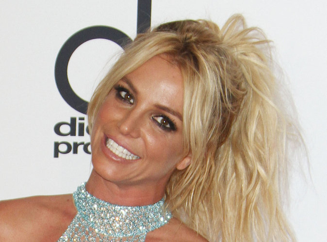 Britney Spears : Elle fait du pied à un de ses ex !