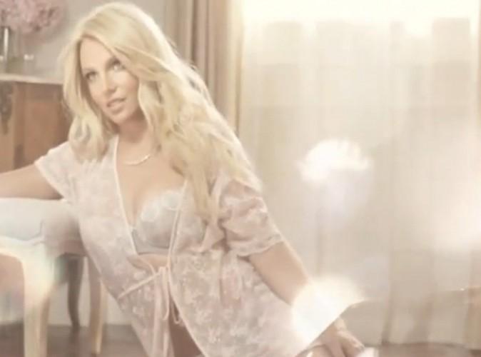 Britney Spears : elle nous invite dans les coulisses de son shooting lingerie !