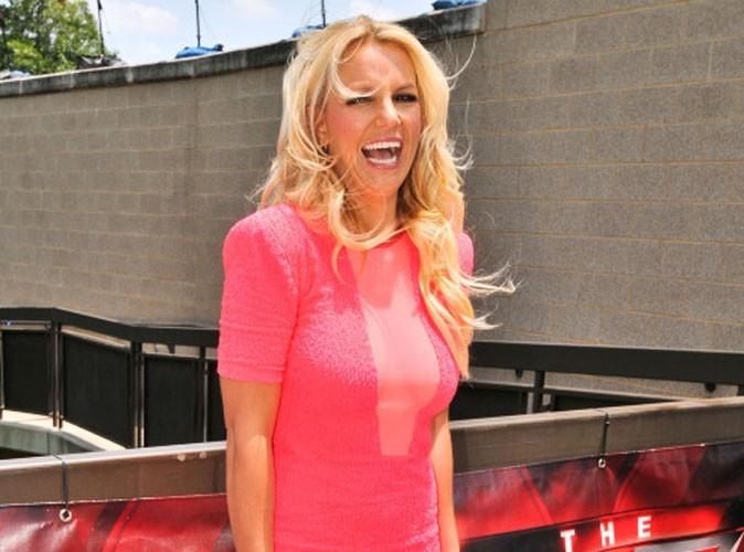 Britney Spears, émue par le coming out d'un candidat sur le plateau de X Factor !