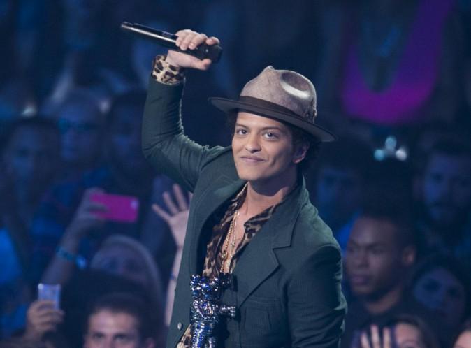 Bruno Mars : le beau-gosse pique la place de Beyoncé au Super Bowl !