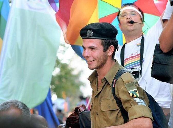 Buzz : François Hollande : son sosie a été repéré à la gay-pride de Jérusalem !