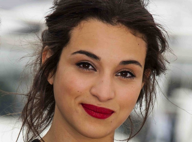 "Camélia Jordana : ""on me traitait de sale arabe"" !"