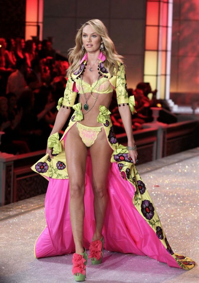 Mode : Candice Swanepoel explique que les mannequins ne sont pas qu'un physique !