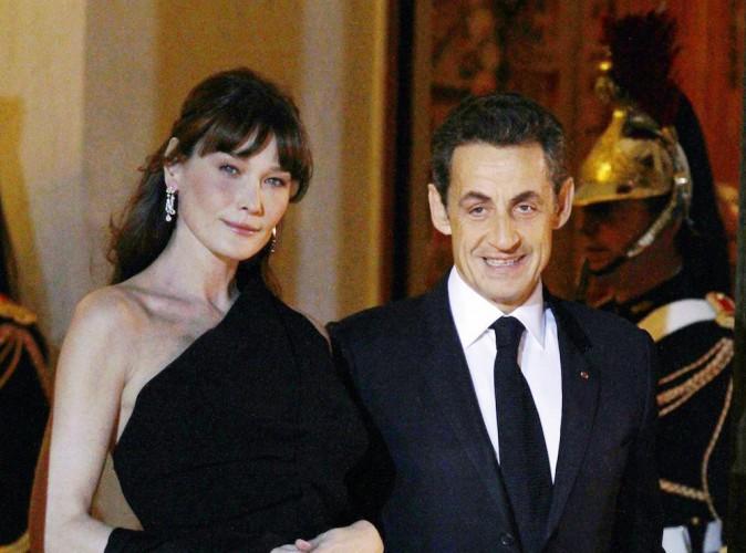 """Carla Bruni-Sarkozy entretiendrait Nicolas Sarkozy : """"Je pensais que j'épousais un mec avec un salaire…"""" !"""
