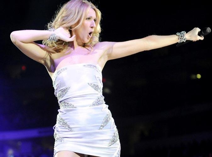 Céline Dion : en concert à la Jamaïque, elle offre une jolie vue sur sa petite culotte !