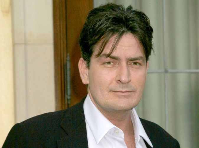 Charlie Sheen reçoit une standing ovation !