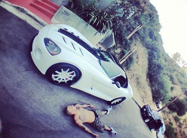 Chris Brown : il joue au mort sur une nouvelle photo !
