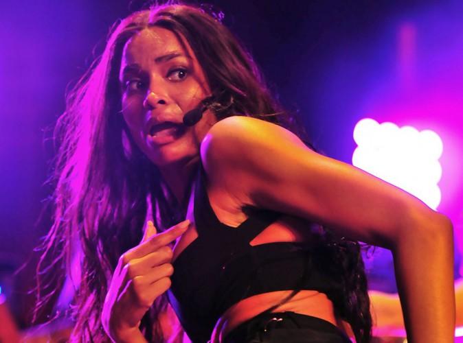 Ciara : lap dance, et coup de pied dans la tête en bonus, pour un de ses fans!