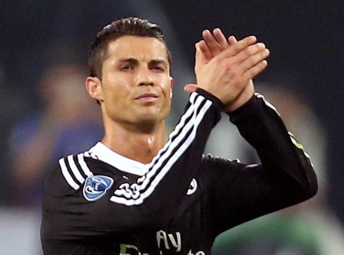 Cristiano Ronaldo : il signe un gros chèque pour venir en aide au Népal !