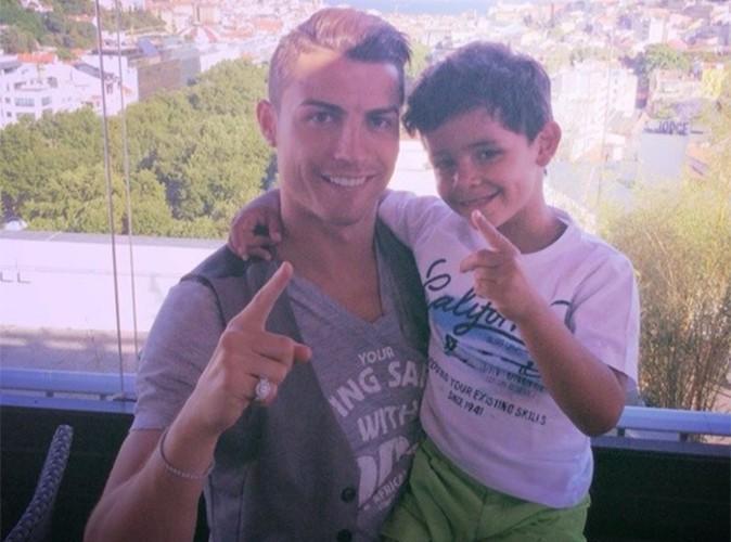 Cristiano Ronaldo : moment de complicité avec son adorable fils !
