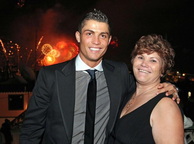 Cristiano Ronaldo : sa maman arrêtée à l'aéroport de Madrid !
