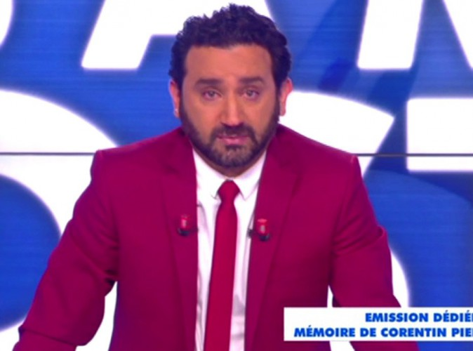 cyril hanouna touch par la mort d 39 un fan de touche pas mon poste il fond en larmes. Black Bedroom Furniture Sets. Home Design Ideas
