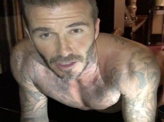 David Beckham : Torse nu en caleçon, il fait ses pompes sur un piano !