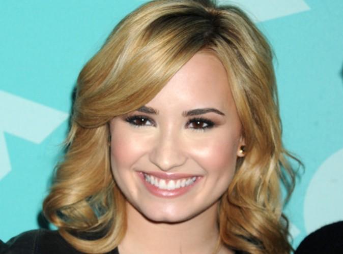 """Demi Lovato : """"Selena Gomez et Nick Jonas m'ont aidée en rehab…"""""""