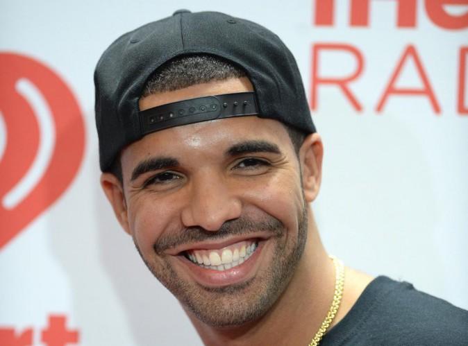 "Drake : ""Rihanna et moi sommes juste amis"" !"