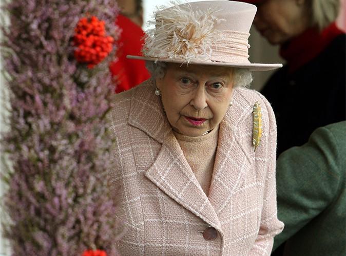 Elizabeth II : elle a besoin qu'on lui remette les pendules à l'heure !