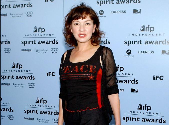 """Elizabeth Peña : l'actrice de """"Modern Family"""" est décédée à l'âge de 55 ans…"""