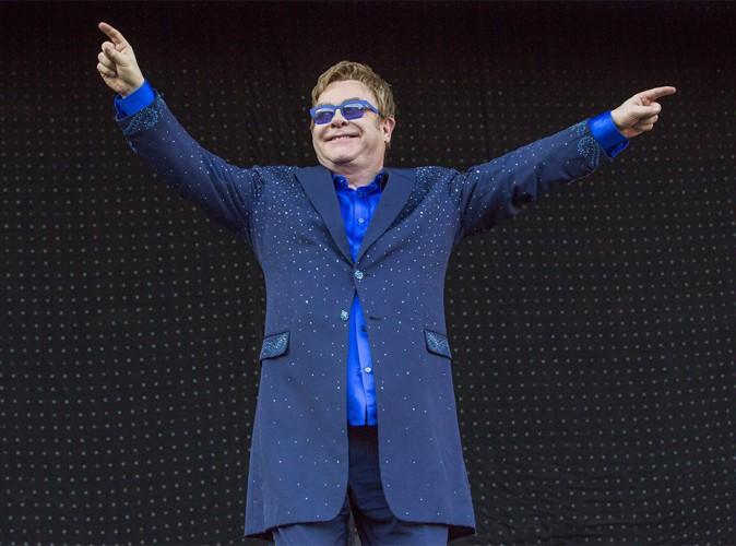 """Elton John : la fin de sa carrière ? Une """"blague"""" !"""