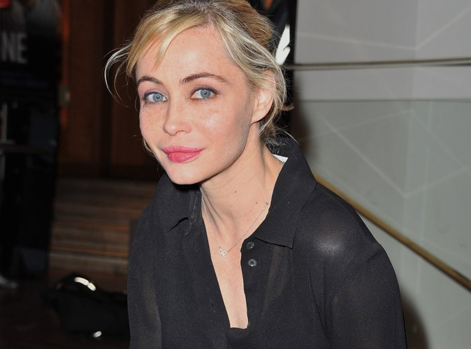 """Emmanuelle Béart : """"J'ai fait refaire ma bouche…c'est loupé"""""""