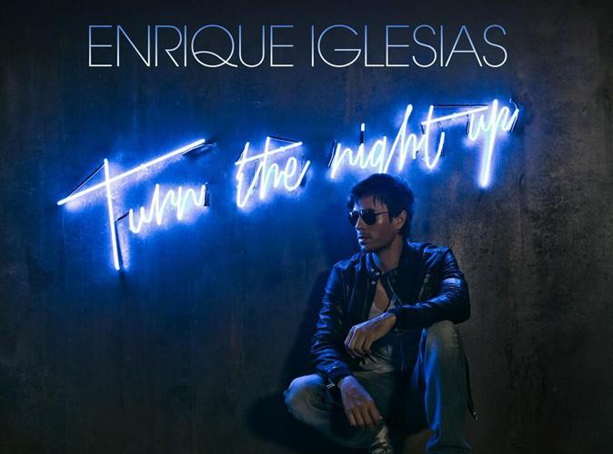Enrique Iglesias : pas très naturel sur la couverture de son nouveau single !