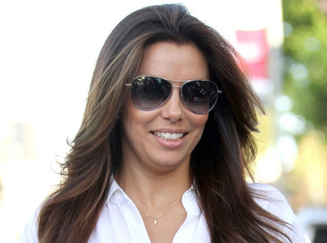 eva longoria elle porte un appareil orthodontique. Black Bedroom Furniture Sets. Home Design Ideas