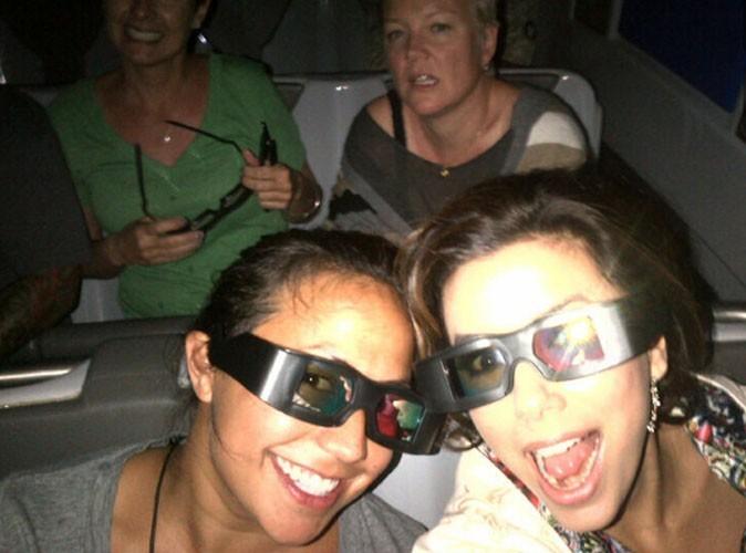 Eva Longoria : elle s'amuse comme une petite folle dans un parc d'attractions !