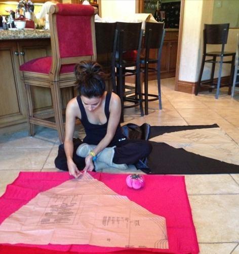 Eva Longoria : une pro de la confection des costumes d'Halloween !