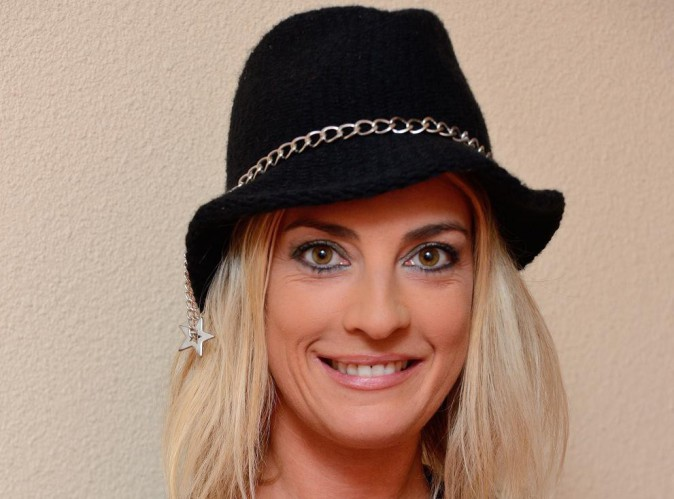 Eve Angeli : la chanteuse veut faire un duo avec Stromaé !