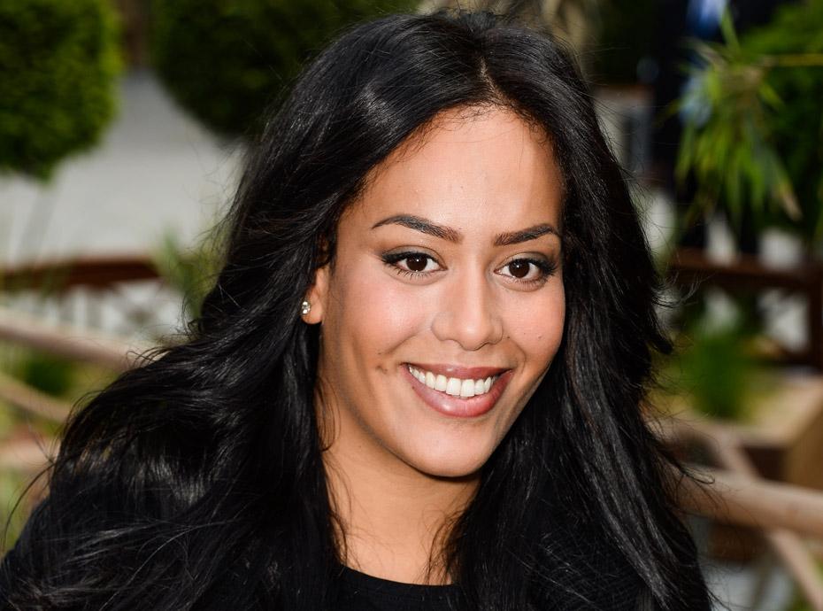 Exclu Public : Amel Bent enceinte de son deuxième enfant !